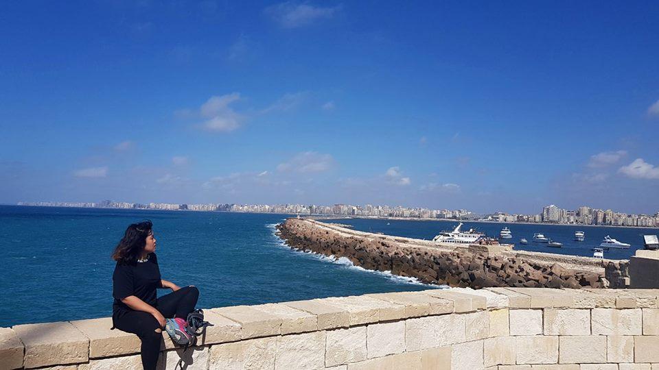 bờ biển Địa Trung Hải lộng gió của thành phố Alexandria nhộn nhịp.