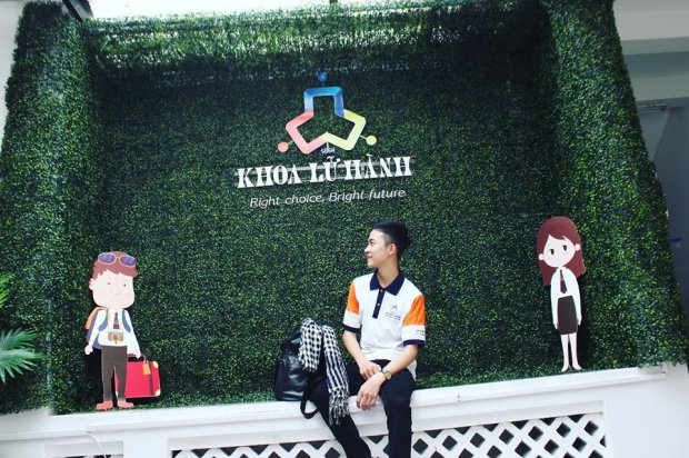 Đăng Duy hiện đang theo học tại khoa quản trị nhà hàng - khách sạn trường Cao đẳng nghề du lịch Sài Gòn.