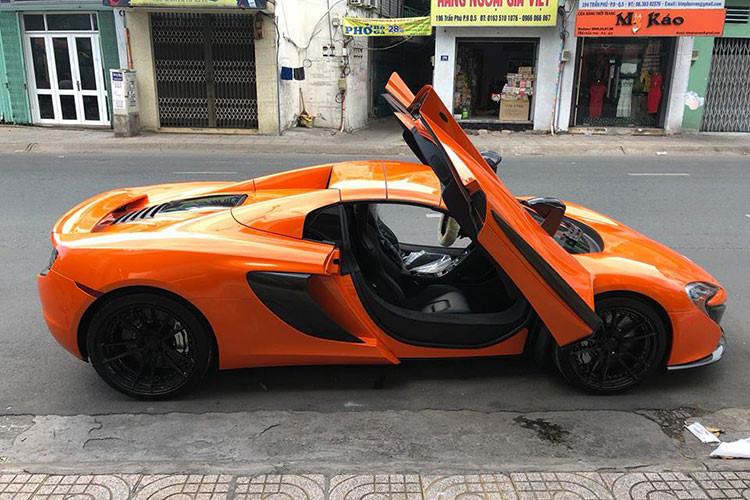 Không tiết lộ mức giá bán McLaren 650S Spider này. nhưng giới thạo tin cho hay siêu xe này đang tìm chủ với giá hơn 500.000 USD (tương đương hơn 11 tỷ đồng). Trong khi đó, lúc mới về nước, siêu xe mui trần nhà McLaren được chào bán từ 14 đến 16 tỷ đồng.