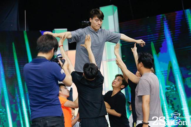 Akira Phan - Vo Tan Phat tap luyen chuan bi cho dem CK (21)