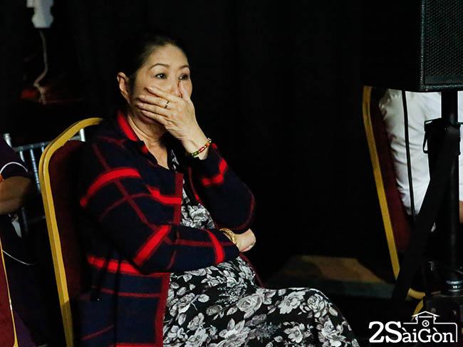 Kim Phuong khoc khi con trai Tong Hao Nhien hat ve chong qua co (5)