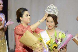 Nguy_n Th_ Hoa __ng quang Mrs International World 2018