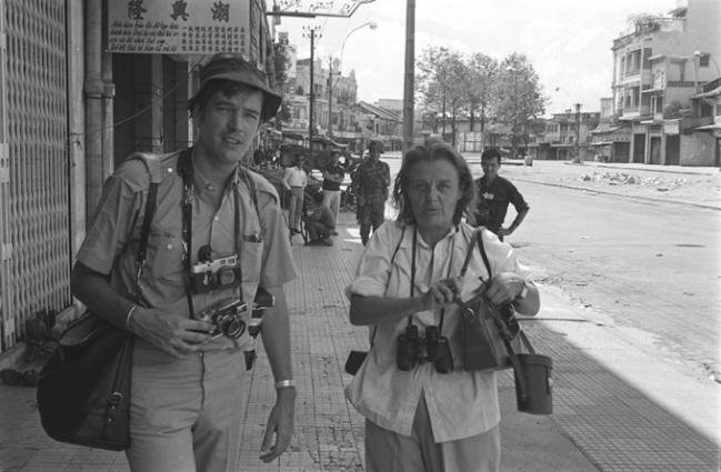 François Sully có 24 năm làm việc tại Đông Dương. Những tờ báo ông hợp tác và làm việc là Time, Black Star, Newsweek…