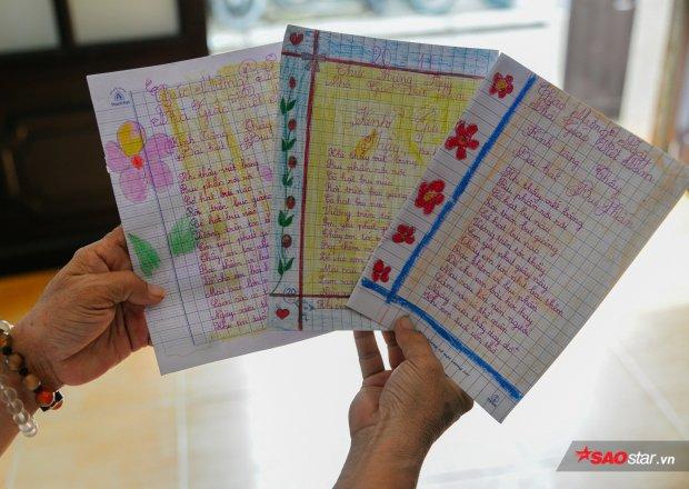 Niềm vui của những cô giáo ở đây là được nhận vô số món quà nhỏ bé như thế này từ tụi nhỏ.