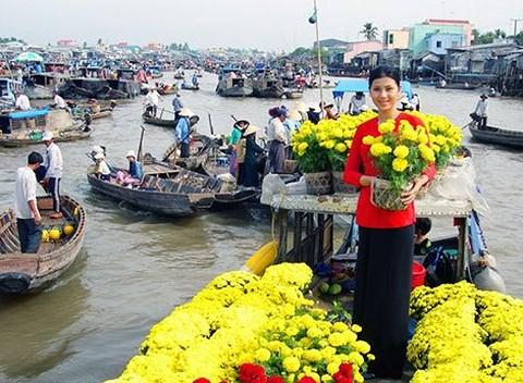 Chợ nổi Cái Bè (Tiền Giang).