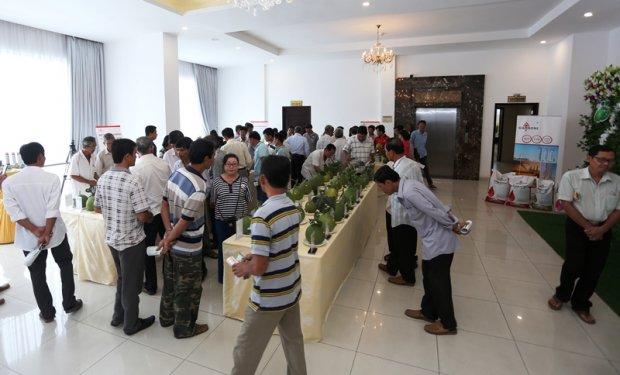 Đông đảo người dân tham gia cuộc thi. Ảnh: QM
