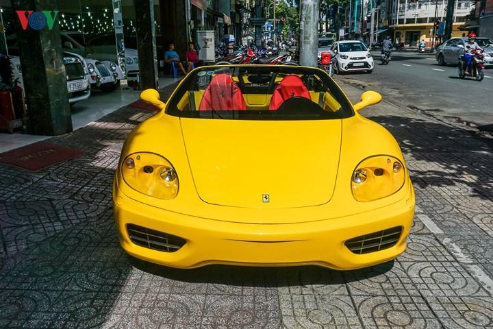 Với 360 Spider, xe được ra mắt lần đầu vào năm 2001, được thiết kế bởi nhà thiết kế Pininfarina.