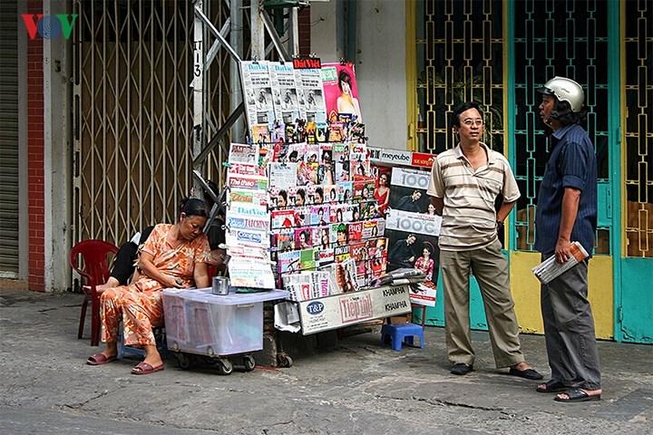 """Những sạp báo """"cơ động"""" thế này có khắp mọi nơi."""