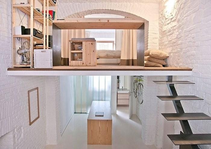 Gác lửng cũng là điểm nhấn giúp ngôi nhà thêm phần sang trọng và ấn tượng. Ảnh: Homedesign.