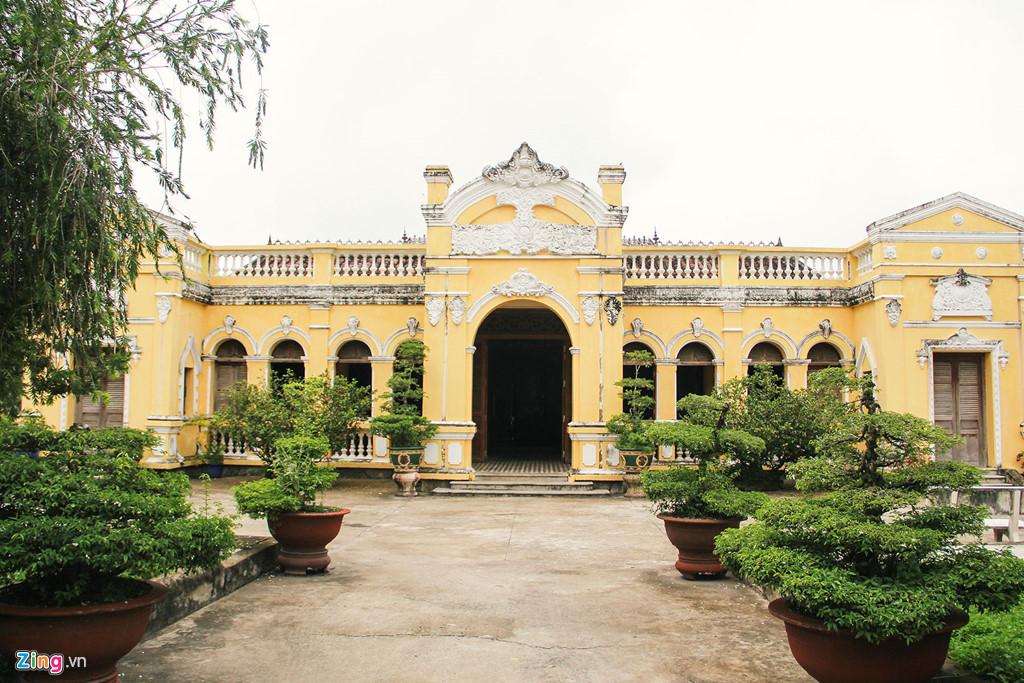 Nhà Đốc Phú Hải Gò Công.