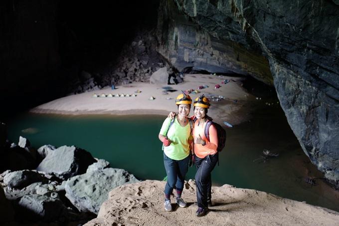 Thu Phương và chị gái vừa hoàn thành hành trình 4 ngày khám phá Sơn Đoòng đầy mơ ước.