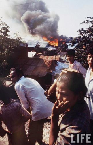 Hỏa hoạn tại một khu ổ chuột ở Sài Gòn.
