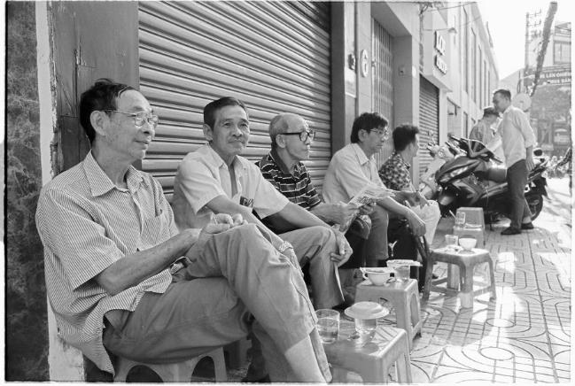 Cà phê vỉa hè Sài Gòn