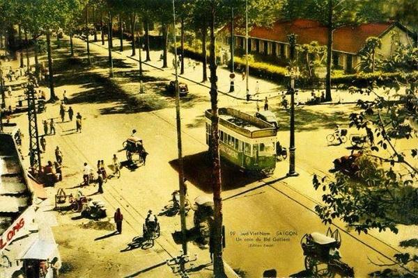 Xe điện trên đường phố Sài Gòn xưa