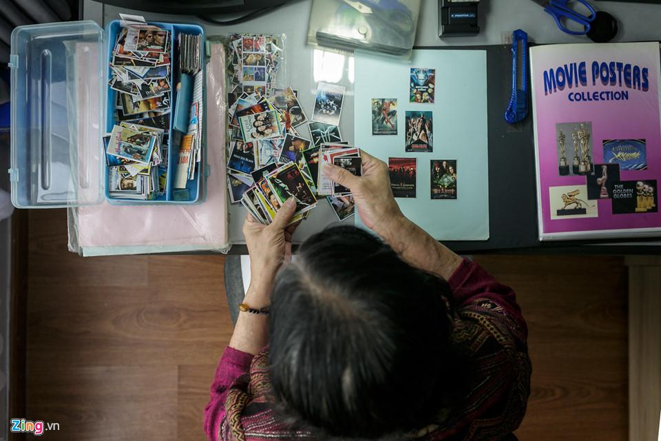 Đến năm 1987, bà Loan về công tác tại Công ty Điện ảnh thành phố (nay là Công ty Cổ phần Truyền thông - Điện ảnh Sài Gòn) với nhiệm vụ tuyên truyền quảng cáo. Thời bấy giờ, các poster quảng cáo phim chưa được thịnh hành và được in với số lượng rất hạn chế, bà Loan phải tự tay chụp ảnh lại màn hình chiếu phim để làm poster, hoặc tìm kiếm, cắt ra từ những trang sách, báo.