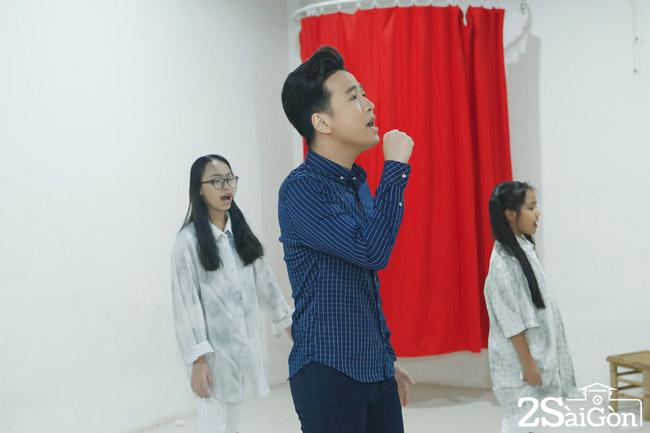 Thi sinh Trieu Loc dang tap luyen (2)