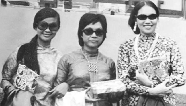 Khánh Ly, Lệ Thu và Thái Thanh - những danh ca một thời của Sài Gòn - quyền quý trong tà áo dài
