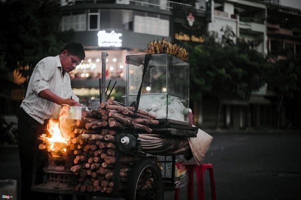 Đồ ăn vặt ở đây rất rẻ so với ở thành phố lớn tại các quốc gia khác.