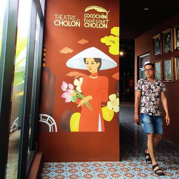 """Tầng 2 của The Garden Mall có một Thành phố Sách (Book City) hơn 2.000 m2 lớn nhất Sài Gòn. Hoặc nếu hứng thú với các loại hình nghệ thuật truyền thống, có thể đến Nhà hát Chợ Lớn (Théatre de ChoLon) ở tầng 3. Còn chờ gì mà không lượn một vòng The Garden Mall để """"xả hơi"""" dịp cuối tuần. Địa chỉ: 190 Hồng Bàng, quận 5. Mở cửa từ 10h-22h mỗi ngày. Ảnh: @ccvuong, @hieu.ricky."""