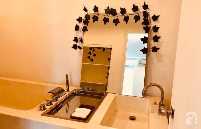 Phòng tắm với đầy đủ chức năng.