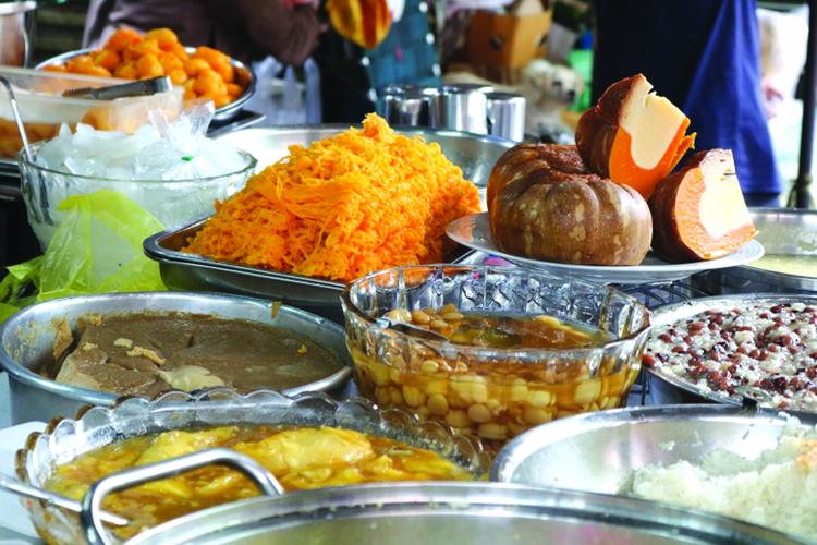 Những món ăn ngon ở chợ Campuchia.