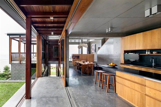 Với những không gian nhà ở hay nhà bếp thiết kế dạng mở, ngoài trời....thì chất liệu sàn bê tông luôn là một lựa chọn khoa học, hiệu quả vì tính hài hòa thẩm mỹ cũng như độ bền vững của nó theo thời gian.