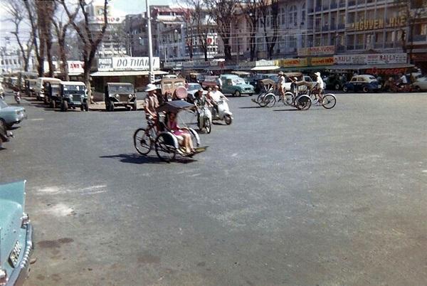 Trên đại lộ Nguyễn Huệ, Sài Gòn năm 1969. Ảnh: David Stromberger.