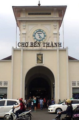 Được khánh thành năm 1914, chợ Bến Thành là một ngôi chợ cổ nổi tiếng, được coi là biểu tượng của Sài Gòn.