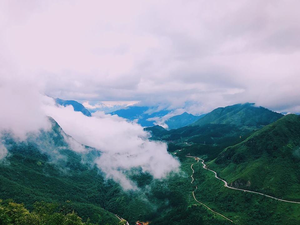 Tháng 8 về Sapa, chìm trong không gian mây mù bao phủ. Ảnh: Đỗ Phương