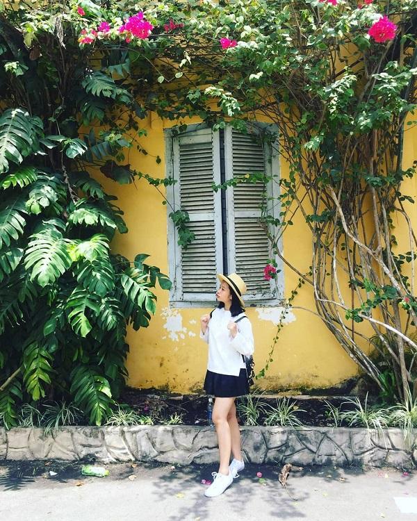 """Được mệnh danh là lá phổi xanh của thành phố, khung cảnh thiên nhiên xanh mát ở đây chính là background tuyệt đẹp cho những concept """"hoa lá cành"""" lung linh Facebook hoặc Instagram của bạn. Ảnh: @ng.linh.97, @tue_lee."""