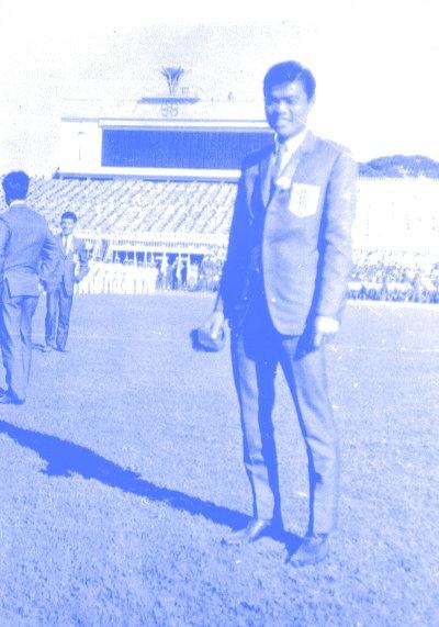 Thủ thành Lâm Hồng Châu trong đội hình Việt Nam Cộng Hòa đi đá SEAP Games 1973 tại Singapore.