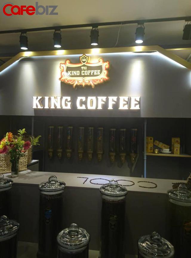 Khu vực bán cà phê rang xay.