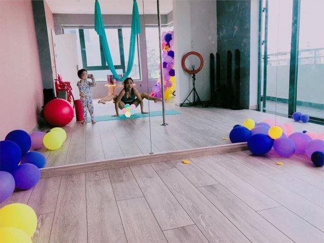Trong nhà có một phòng riêng để phục vụ đam mê yoga của Ốc Thanh Vân