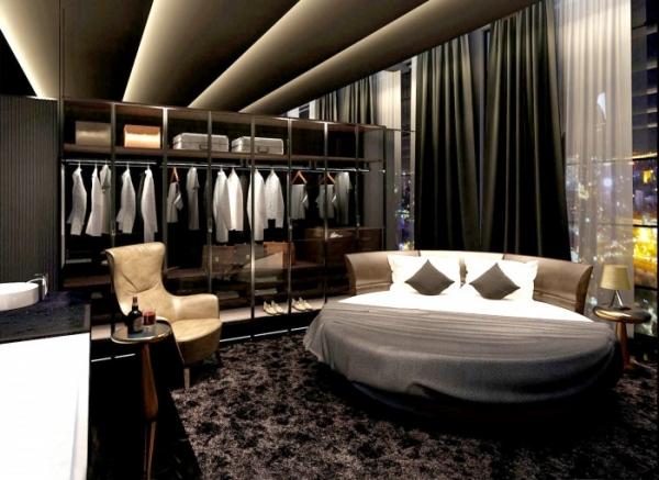 Phòng ngủ cũng có nội thất hiện đại, chiếc giường ngủ độc đáo, đúng theo phong cách lịch lãm của nam diễn viên điển trai