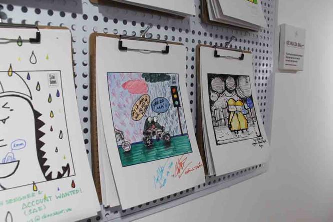 Bạn trẻ vẽ tranh về mưa LÊ NAM