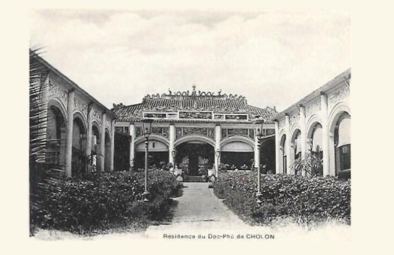 Phía sau dinh thự kiểu Tây là một khu nhà trang trí các mô típ Trung Hoa. Ông Đỗ Hữu Phương là người gốc Hoa. Ảnh tư liệu.