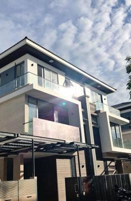 Cao Thái Sơn vừa hoàn thiện căn biệt thự ven hồ triệu đô làm quà cho mẹ nghỉ dưỡng tuổi già sau 3 tháng thi công.