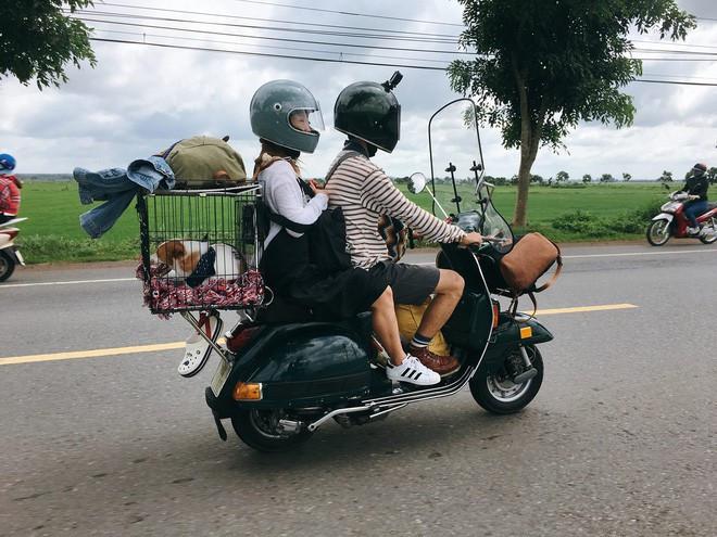 Chàng trai Sài Gòn với những hình ảnh chế lồng cho thú cưng gắn vào xe du lịch phượt muôn nơi đó là Trần Lê Minh Trúc (sinh năm 1992).
