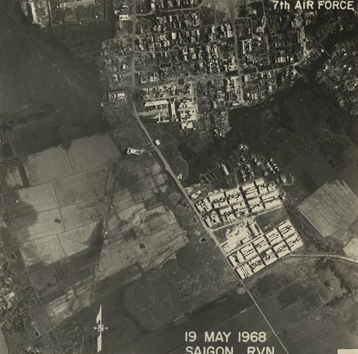 Xóm Thái Phúc ở quận 8 và đường Chánh Hưng (nay là đường Phạm Hùng). Ảnh: Vietnam Center and Archive.