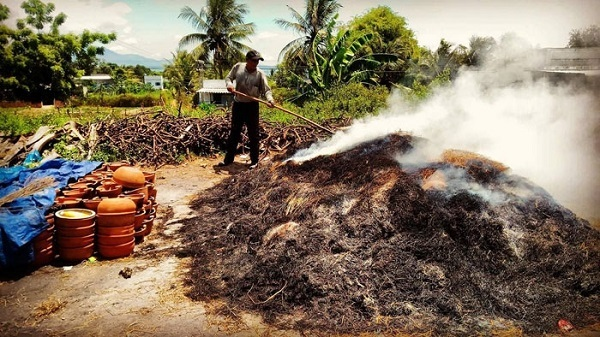 Nướng gốm theo cách truyền thống