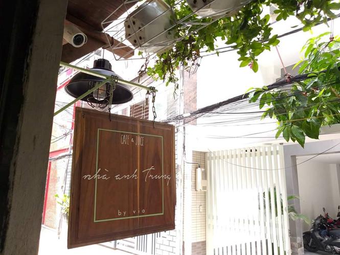 Sài Gòn mộc mạc trong tên của quán cà phê