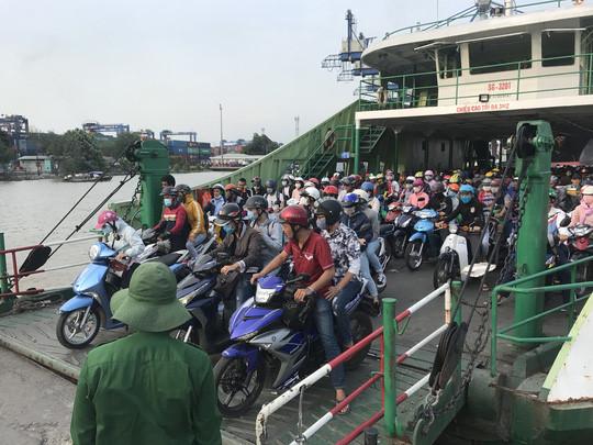 Nhu cầu đi lại giữa quận 2, TP.HCM với Đồng Nai và tỉnh Bà Rịa - Vũng Tàu, hiện vẫn phụ thuộc nhiều vào phà Cát Lái .