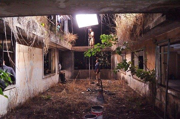 Dường như chẳng ai dám bén mảng đến nơi này. Có hay chăng chỉ là nơi những đoàn làm phim kinh dị hoặc phim tài liệu đến quay cảnh.