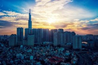 Tòa nhà cao nhất Việt Nam lúc bình minh. Ảnh: Hoàng Hà.