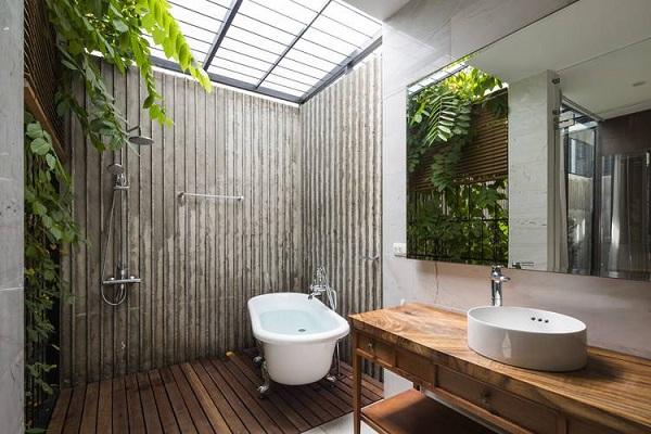 Phòng tắm bán mở độc đáo.