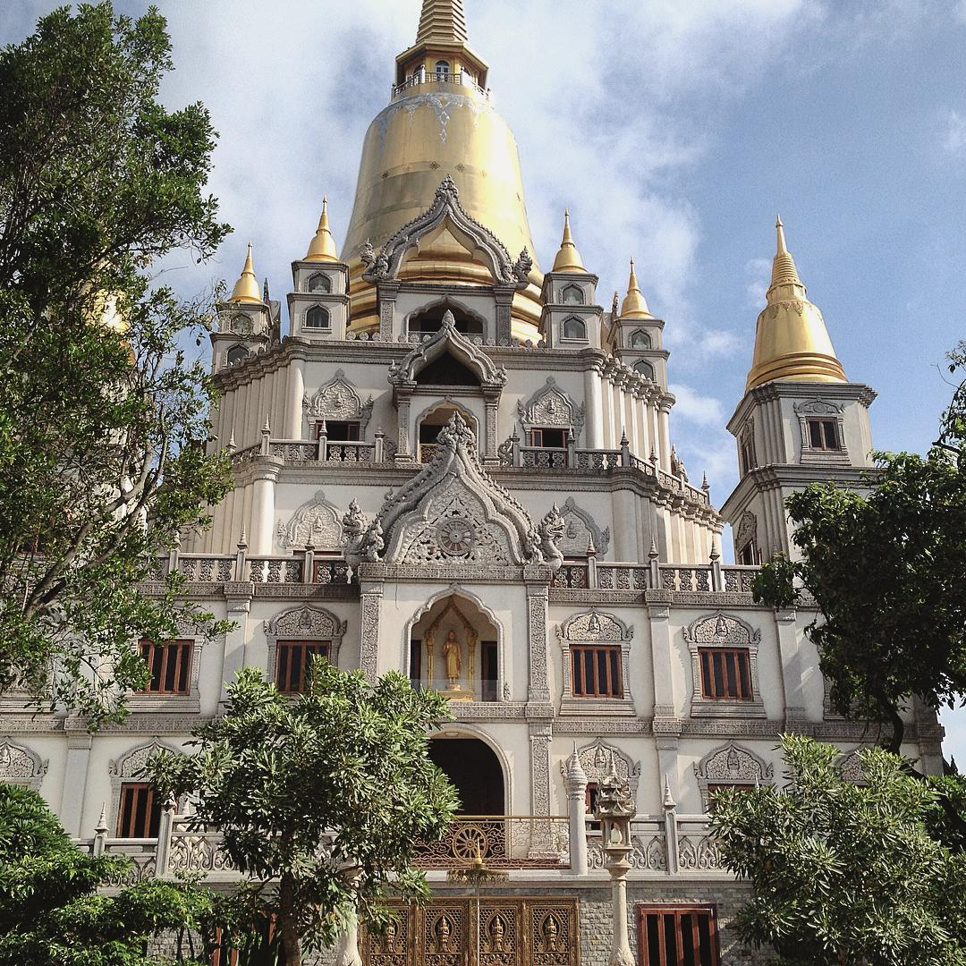 Bảo tháp Gotama Cetiya thờ xá lợi Đức Phật và Chư Thánh Tăng là điểm nhấn thu hút trong toàn bộ công trình. Ảnh @tindkt