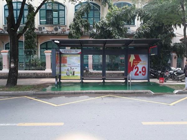 Điểm đón trả khách xe buýt trên đường Lê Qúy Đôn (TP.HCM). Ảnh: Hải Long.
