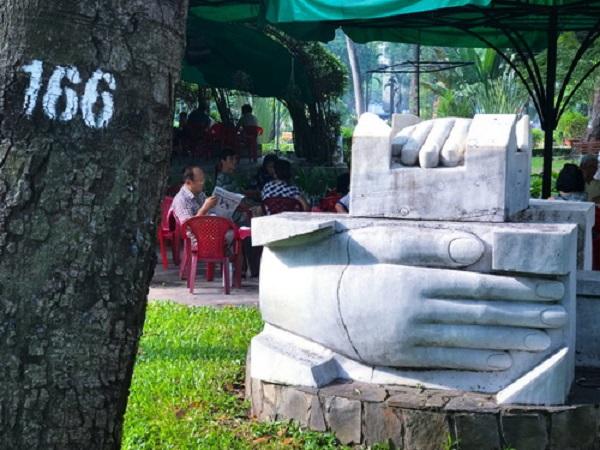 Công viên Tao Đàn, nơi có Khu vườn tượng với nhiều tác phẩm điêu khắc hấp dẫn là điểm đến lý tưởng để mọi người cùng nhau nhâm nhi cà phê và chia sẻ những câu chuyện.