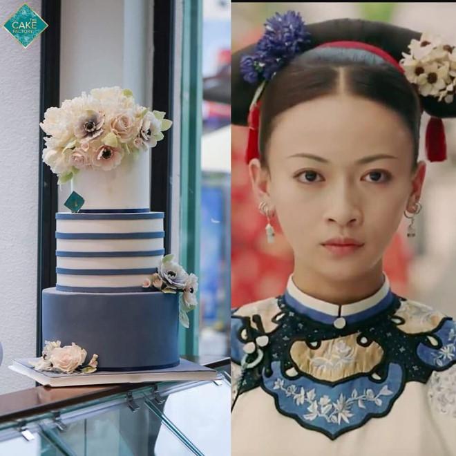 Săc trắng xanh trên chiếc váy của Ngụy Anh Lạc thuở chưa trở thành phi tần.