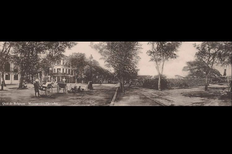 Bến của hãng tàu Vận tải đường sông ở đầu đường Catinat. Ảnh: Ludovic Crespin.